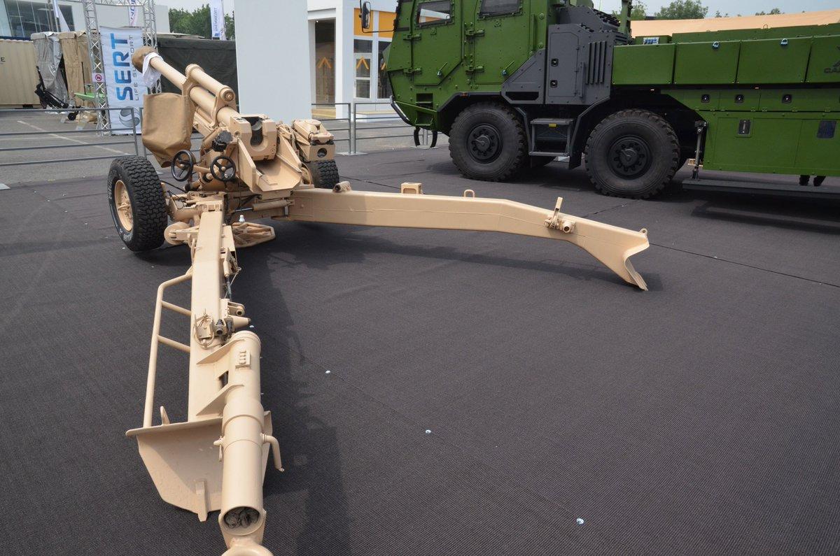 مدفع LG1 عيار 105 ملم من شركة Nexter  DfV1DDcWAAAr3m5
