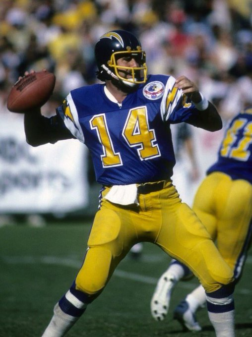 Happy Birthday to the Chargers HOF QB Dan Fouts and his HOF beard.