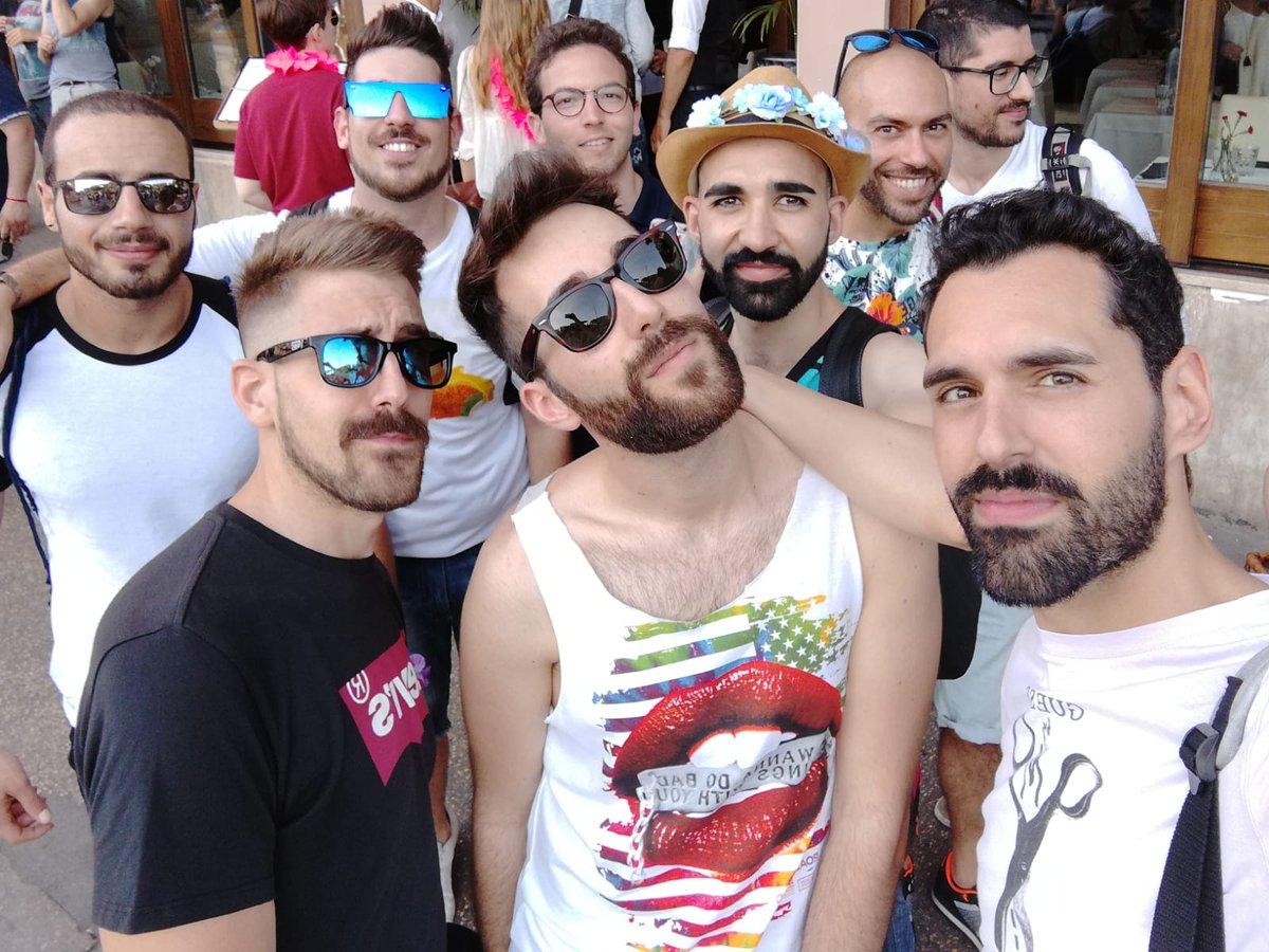 """Amor omnia vincit""   #RomaPride #Sense8<br>http://pic.twitter.com/ksTpOOSW5F"