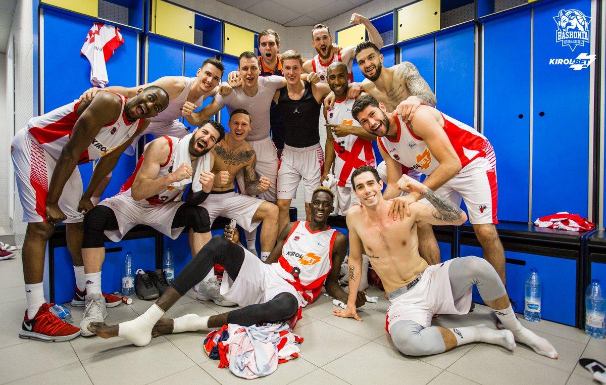 Semifinales Liga ACB FC Barcelona 1-3 Kirolbet Baskonia.!!! A la final 8 años después!!! - Página 2 DfWv5WGW0AgG8-F