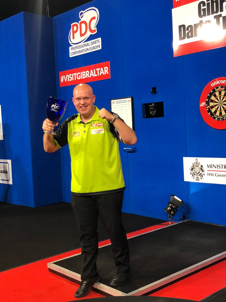 REPORT | Michael Van Gerwen Clinches Gibraltar Darts Trophy Title A 25th European Tour title, and fifth of the year, for the Dutchman: pdc.tv/news/2018/06/1…