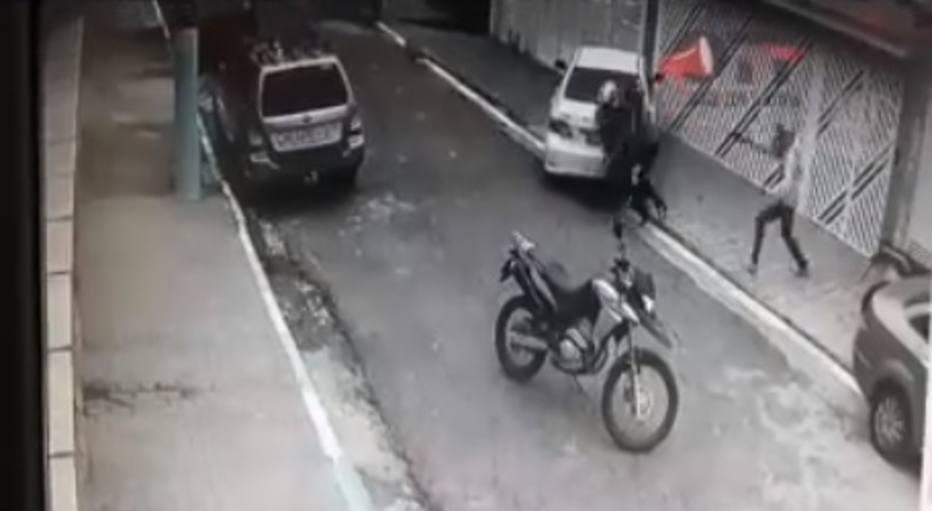 PM é morto em tentativa de assalto em Diadema https://t.co/22hYfTrO2c