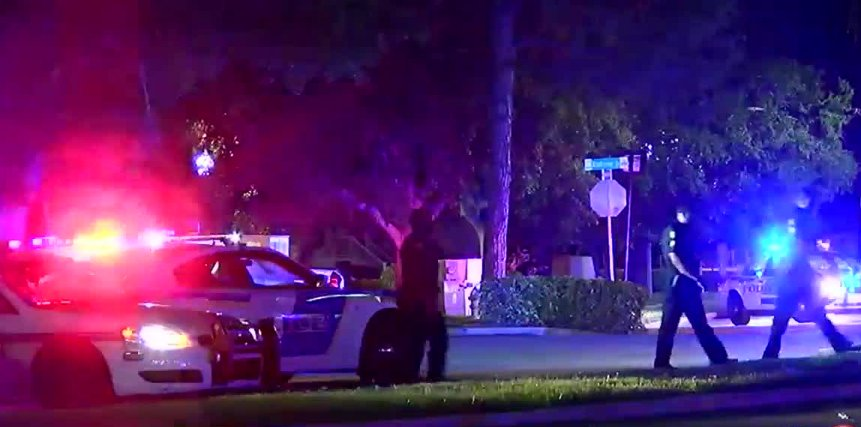 An Orlando police officer was shot overnight and the gunman is holding 4 children hostage.  Here's what we know:  -Officer shot is expected to survive  -4 children held hostage in apartment - Children are ages 1,7,10 and 12.  - Started as a domestic violence situatiuon
