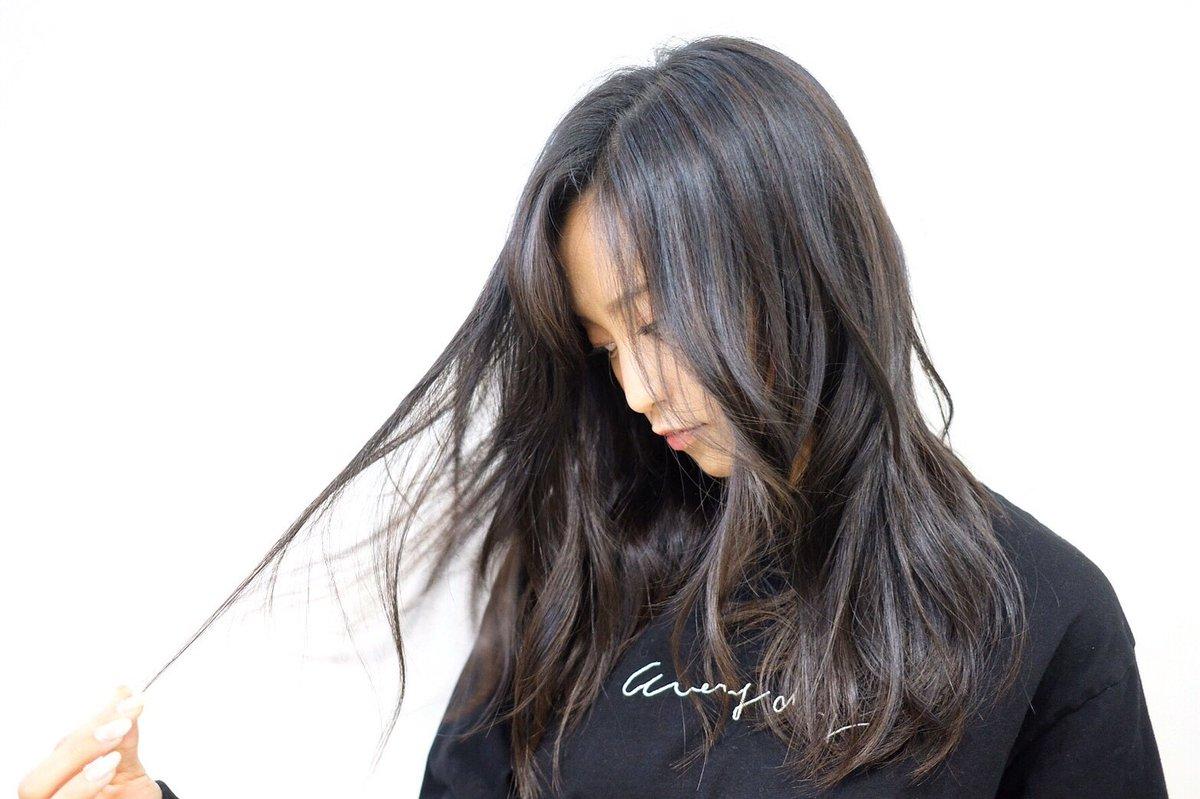 黒髪のかわいい小島瑠璃子