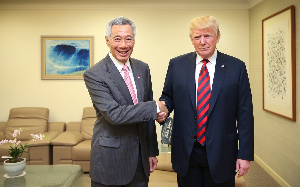Hosted US President @realDonaldTrump at the Istana this morning. Had a good opportunity to catch up, and wish him all the best for tomorrow's #TrumpKimSummit. – LHL bit.ly/2JDzJD9