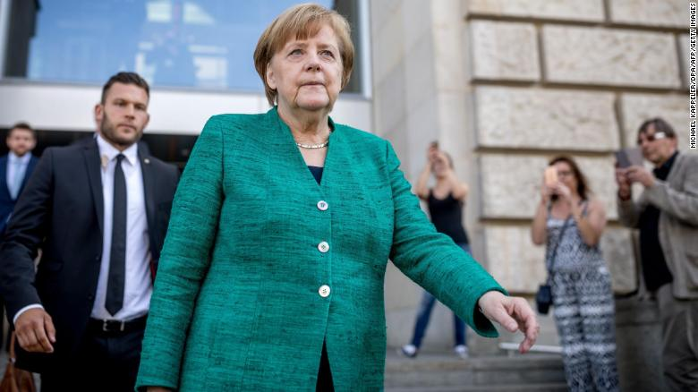 German Chancellor Angela Merkel has been given two weeks to agree a new migration policy with European leaders or face a renewed rebellion from her own government https://t.co/urb43ws4nZ