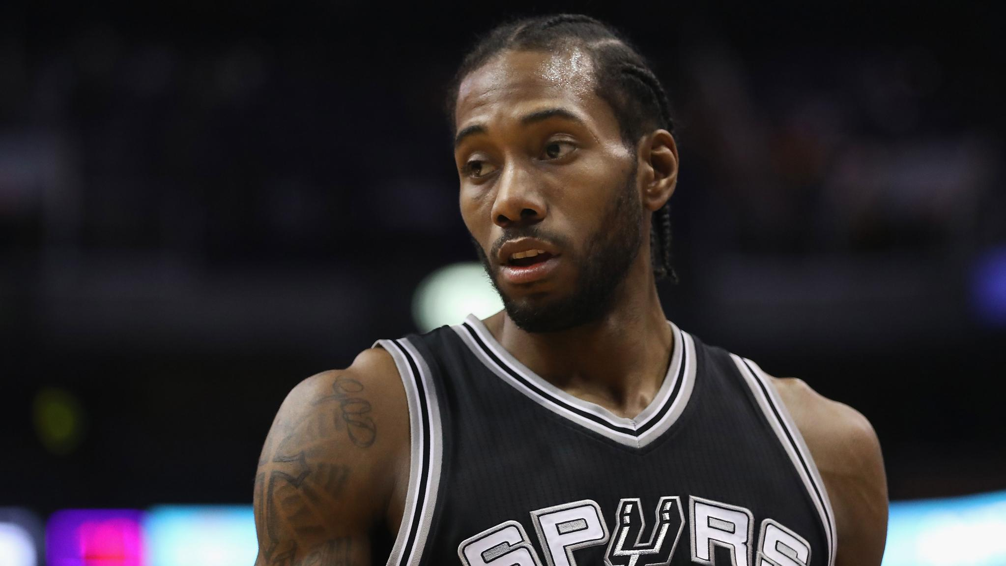 Report: Spurs won't trade Kawhi Leonard to Western Conference team https://t.co/tTSkZdgx6N https://t.co/gwSKk6eKcx