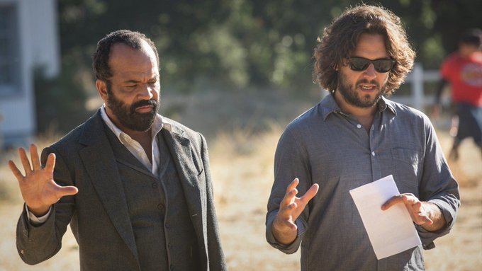 Everything you feel is true. The executive producer and writer of Season 2 Episode 9 discusses the inspiration behind focusing on the Man in Black's family — and tragic past. (via @HBO): #Westworld Foto