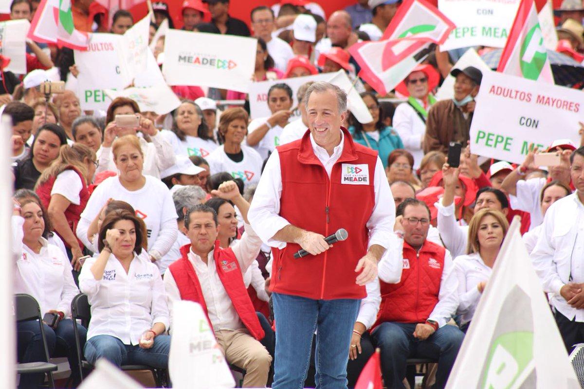 Con mucha alegría y demostrando la fuerza de nuestro partido, recibimos en Aguascalientes a nuestro Candidato @JoseAMeadeK confirmando que es el mejor perfil para llevar a buen puerto el destino de nuestro país. #MeadePresidente https://t.co/pbzpM5x5I2