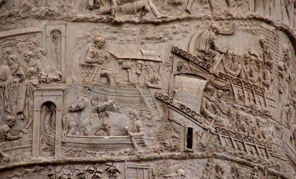 Colonna Traiana ( particolare) #Roma Un rotolo di storia alto 40 metri, sulla conquista di Traiano sui Daci. 113 d.c. #Storia #Archeologia #Scultura #Fotografia #RomaIsUs