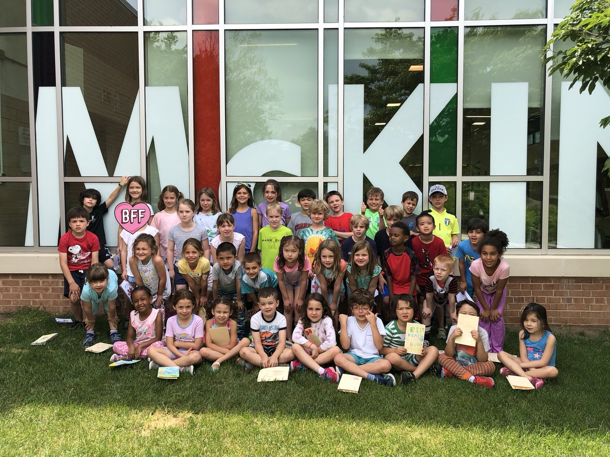 RT <a target='_blank' href='http://twitter.com/K_Walleck'>@K_Walleck</a>: We had a great year with the best reading buddies ever! Thanks <a target='_blank' href='http://twitter.com/amy_iger'>@amy_iger</a> ❤️📕📗📘📙📚by Owen <a target='_blank' href='https://t.co/Zflghp4NY7'>https://t.co/Zflghp4NY7</a>