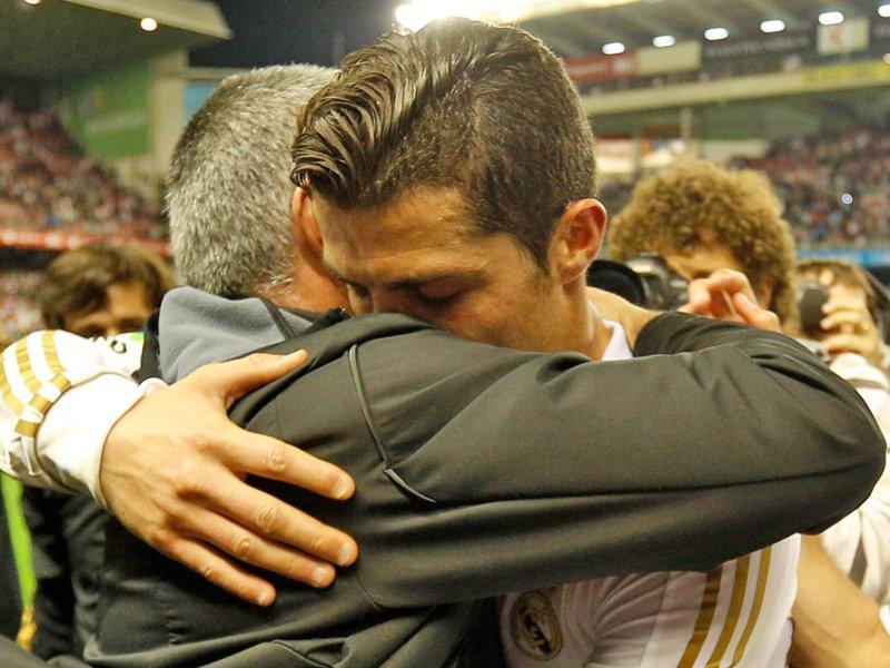 Mercato : José Mourinho souhaiterait faire revenir Cristiano Ronaldo à Manchester…  http:// www.wynfoot.fr/actualites/categorie/man_united/263894344?t=mercato_jose_mourinho_souhaiterait_faire_revenir_cristiano_ronaldo_a_manchester_united  - FestivalFocus
