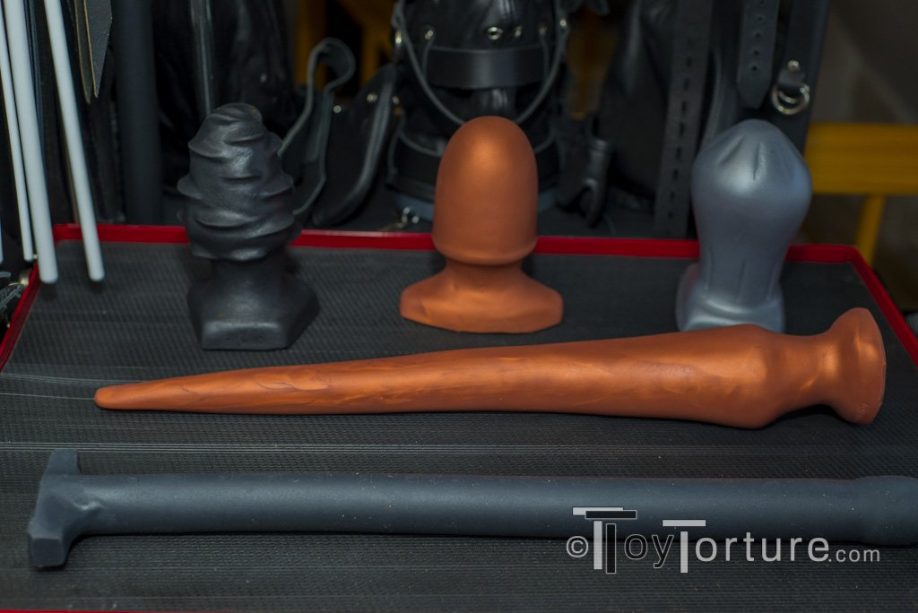 test Twitter Media - Ever since I started reviewing anal toys back in 2015, I have been asked on advice which ones to get for depth play. It took some time, but here it is: My review of the @SquarePegToys Slink and Depth Probe from @MrSLeather and @RegulationLTD https://t.co/xfXSzj2W8X https://t.co/xp0MCxdXup