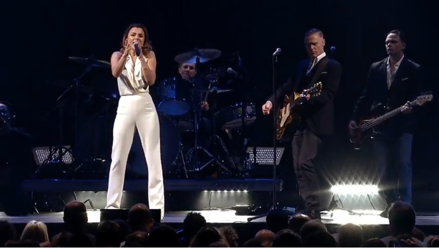 See Bryan Adams perform a song from #PrettyWomanTheMusical at his London show https://t.co/JgBLpeYm8m https://t.co/P2lThRz8HX