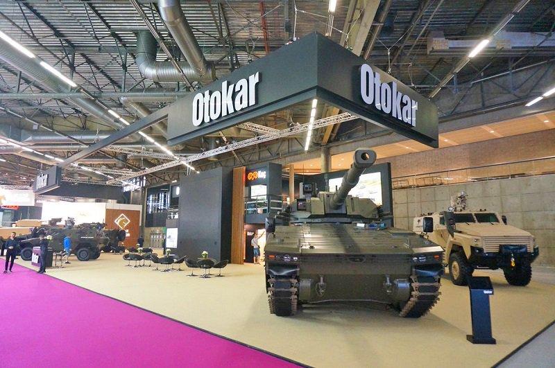 شركة Otokar التركيه تقدم الدبابه الخفيفه Tulpar  DfaLxKWWsAIIjl7