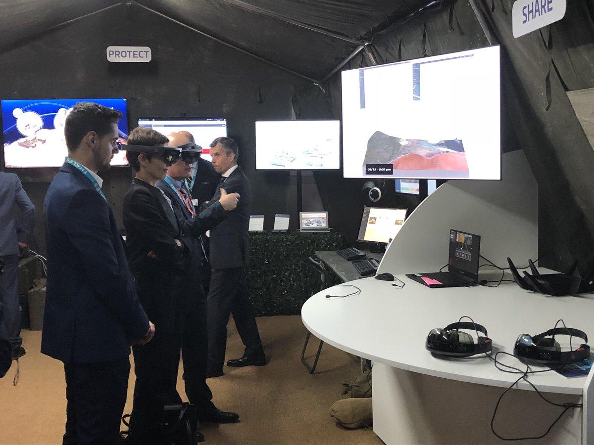 افتتاح معرض  Eurosatory 2018 الدولي للدفاع والأمن بباريس DfaO7JwX4AAlAU3
