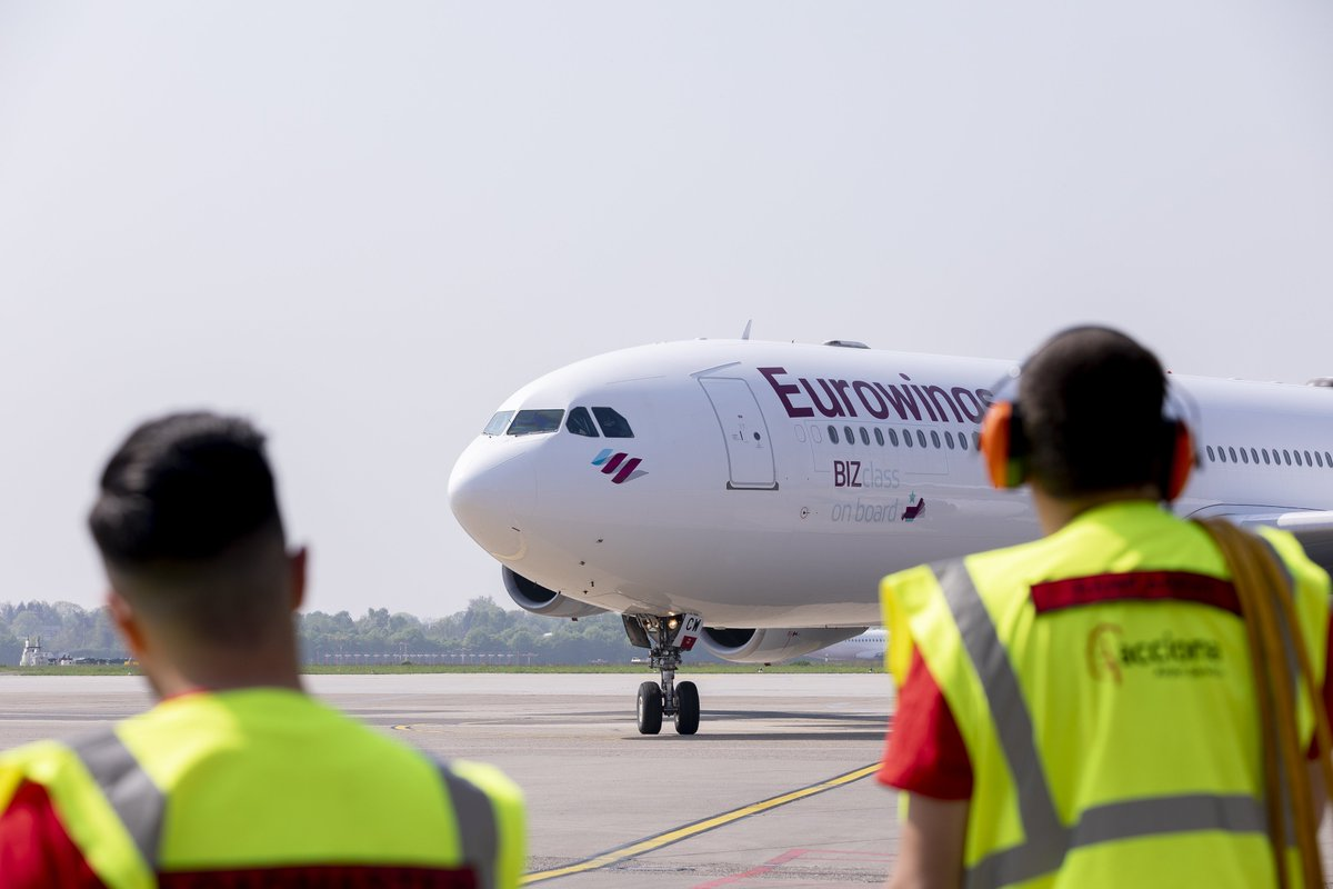 On the lookout for our A340 and a fantastic new week 👀 #iflyEurowings https://t.co/MmEwGrSugL