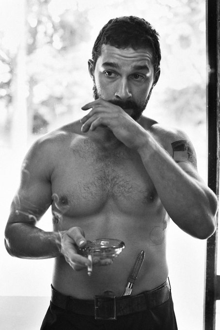 HAPPY BIRTHDAY TO THAT SEXY MAN SHIA LABEOUF!
