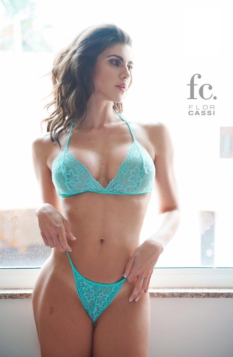 Flor Cassi Nude Photos 27