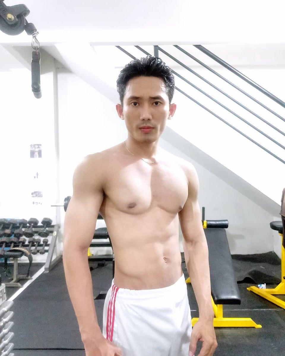 indonesia-naked-boy