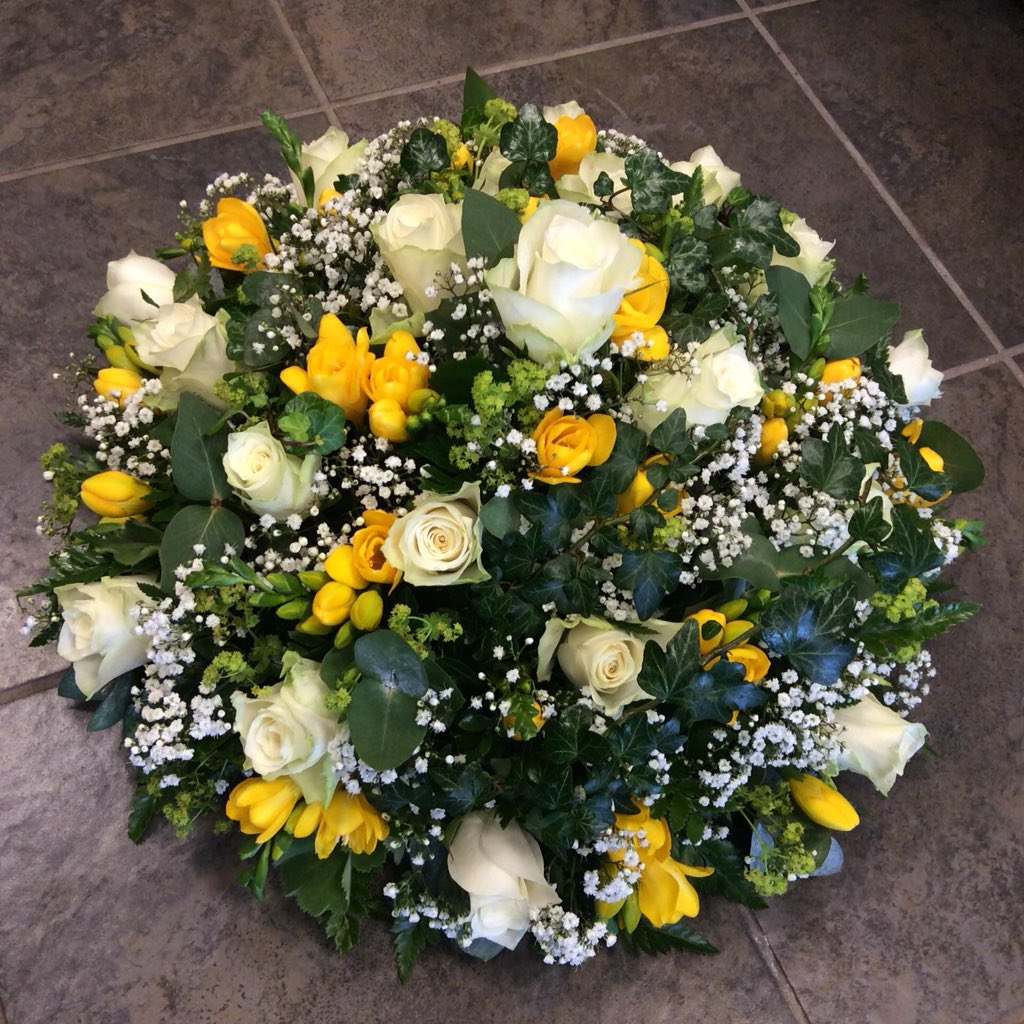 Georgelesleyflowers georgeshopsales twitter swindon florist funeral arrangement heart wreath posy spray memories flowers pink yellow white green lilacpicitterusssjdofa1 izmirmasajfo