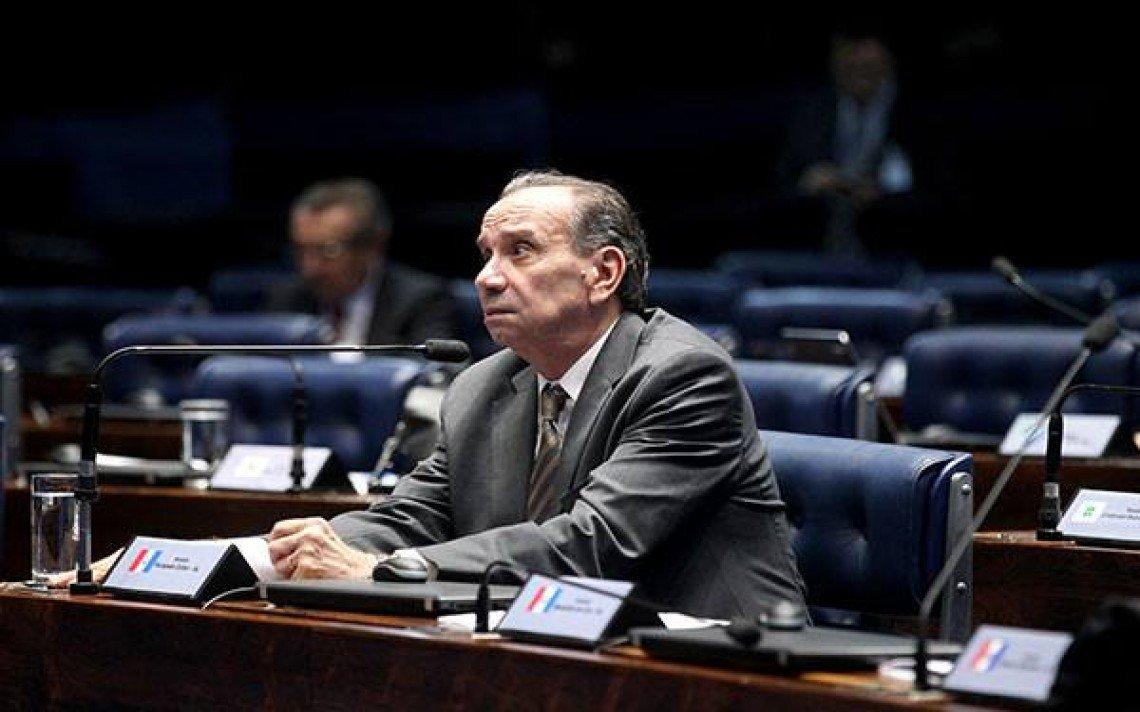 Celso de Mello, do STF,  determinou arquivamento do inquérito que apurava suposta doação eleitoral não contabilizada ao ministro das Relações Exteriores, Aloysio Nunes (PSDB), em 2010. Caso começou com delação da UTC. Ministro atendeu à PGR.