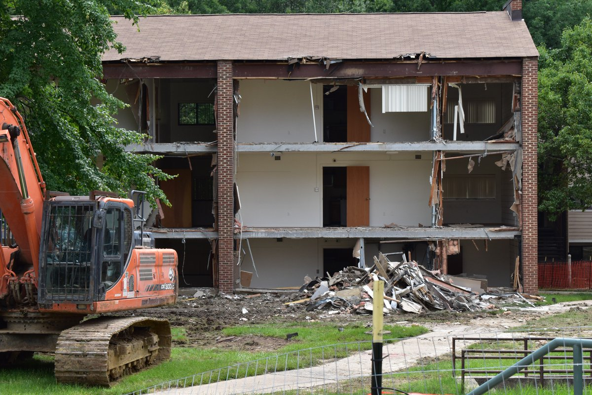 George Mason University On Twitter Check Out The Demolition Going At Student Apartments