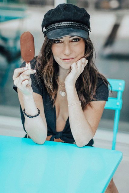I've partnered with @Magnum this summer and honestly can't think of a better summer snack than one of these @MagnumIceCream Doubles (the MAGNUM Double Caramel flavor is my FAVEE 😍)!! It is the only ice cream bar made with Belgian chocolate and is coated in a chocolate shell.