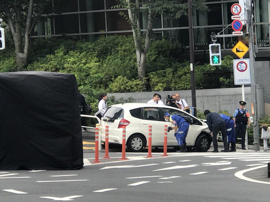 tweet : 東京都新宿区大久保3丁目 高田馬場駅付近で事故 乗用車が ...