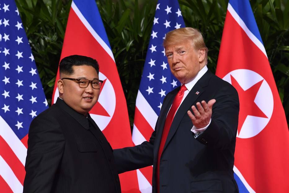 Resultado de imagem para - Trump e Kim Jong-un protagonizam encontro história