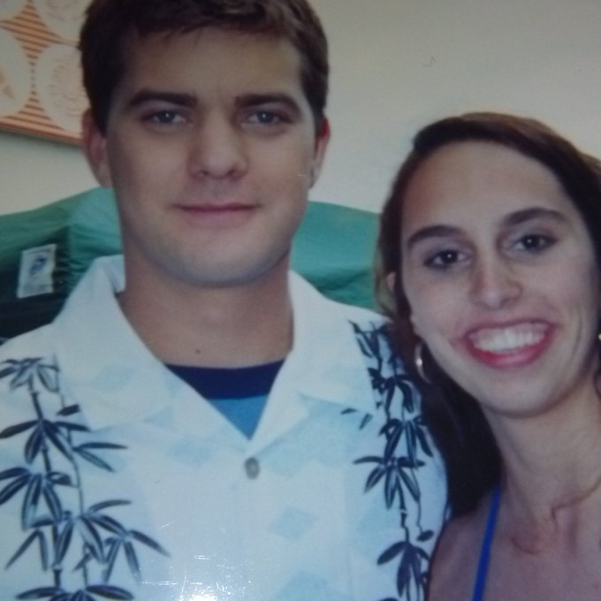 Happy Birthday to Joshua Jackson, who I met when I was 18 as an extra on Dawson\s Creek. He was so sweet!