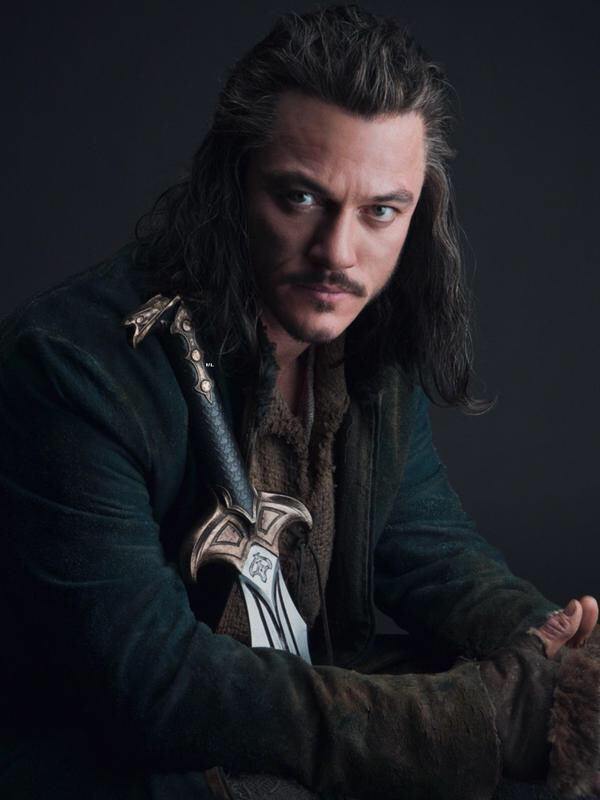 When #LukeEvans was cast as #Bard in #TheHobbit I completely fell in love with him 🙈 The long hair, the sadness, that voice... I was sold. #Luketeers