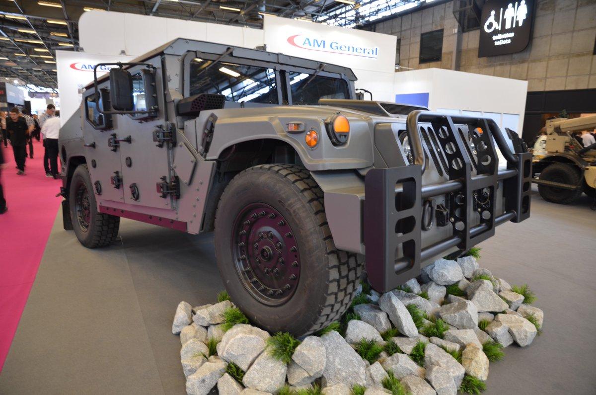 شركة  AM General تكشف عن نسخه جديده من عربه Humvee Dff5pYMWkAEwMVQ