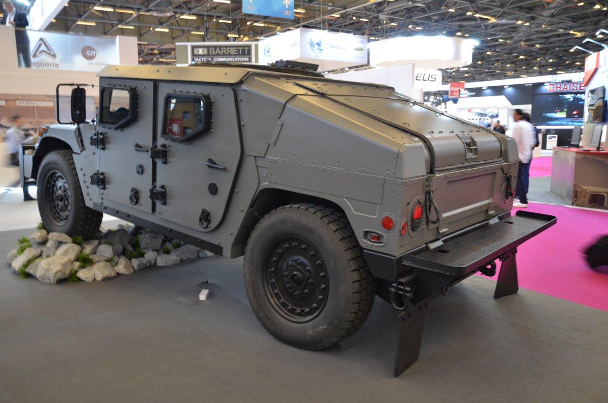 شركة  AM General تكشف عن نسخه جديده من عربه Humvee Dff5uukXcAEshEV