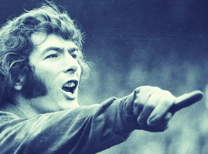 Happy birthday Pat Jennings! A rare breed of goalkeeper to have scored at