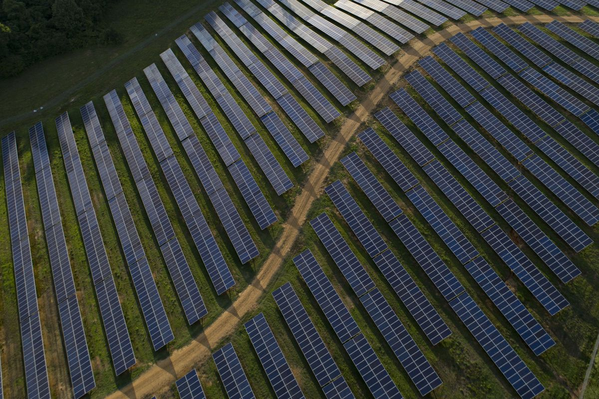 Solar surpasses gas and wind as the biggest source of new power in the U.S. https://t.co/gJ4IkmbrQa