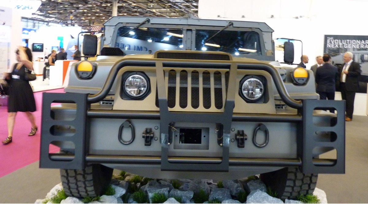 شركة  AM General تكشف عن نسخه جديده من عربه Humvee DffBaIdXUAAyU3Y