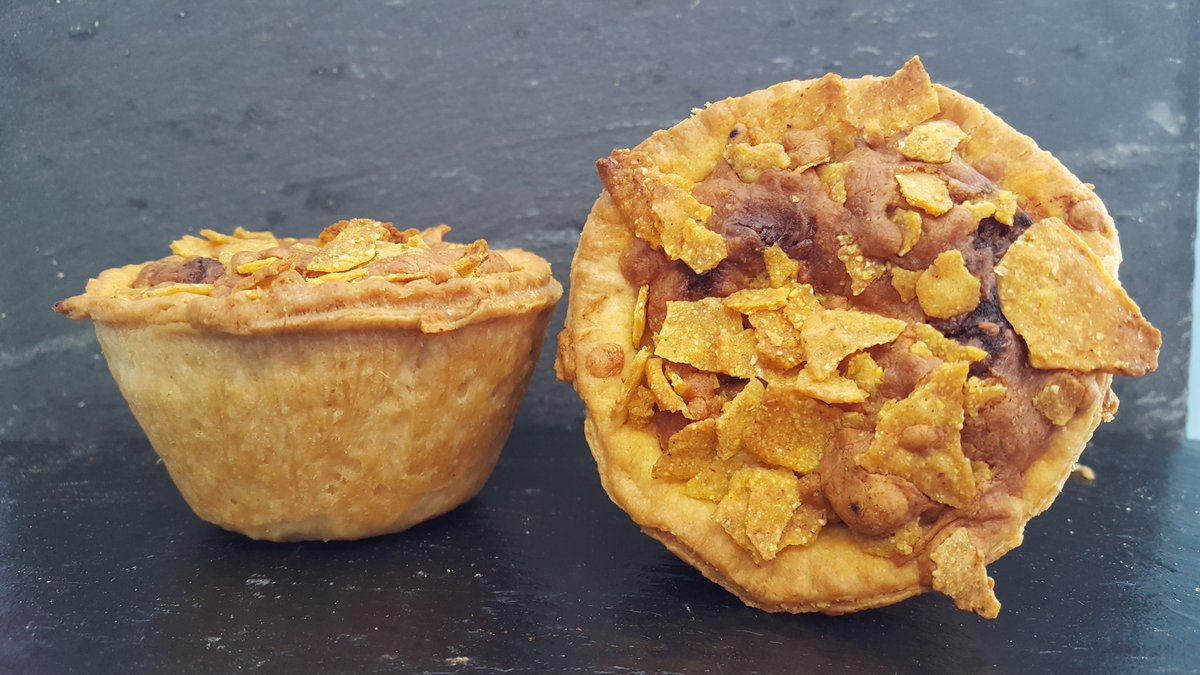 test Twitter Media - Our 'Chilli Bomb Pie' is filled with Spicy Beef Chilli topped with Mature Cheddar Cheese and Nachos 😍😍 Who's been lucky enough to try one? #chilli #cheese #nachos #spicy #beef #pie #foodie #swansea #wholesale #chippies #chipshop https://t.co/ac3jbM2l8N