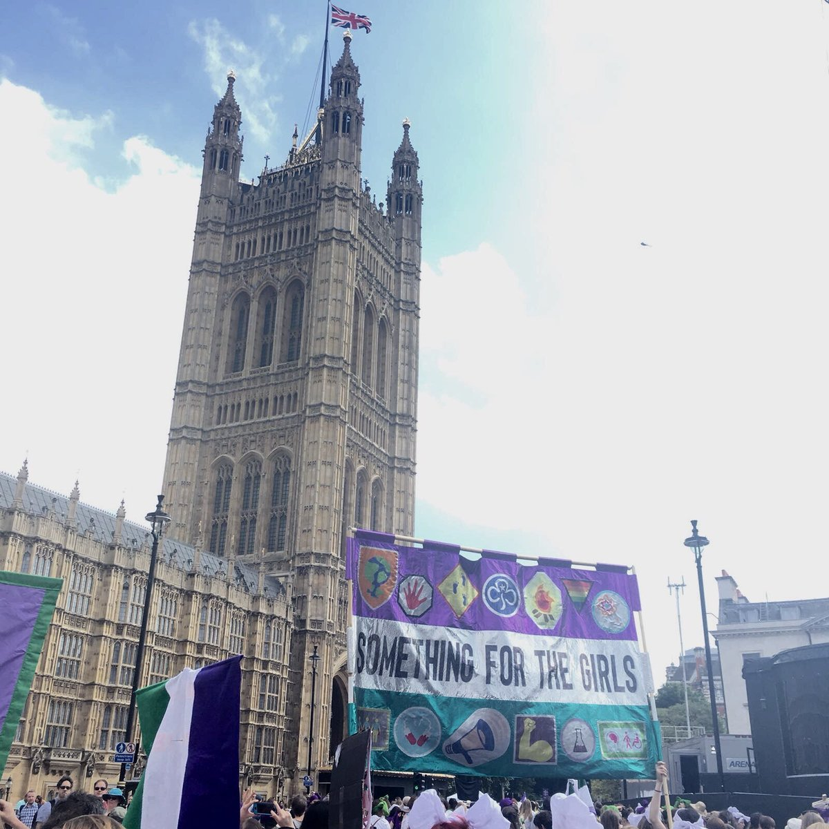 "V proud to be involved in @processions2018 I collab'd w @Girlguiding Youth Advocates, creating banner w patches representing issues they feel strongly about! ""Something for the girls"", harks back to original girlguide demands,after storming a (boys only) Boy Scout rally! @1418NOW https://t.co/HE39yFh3h2"