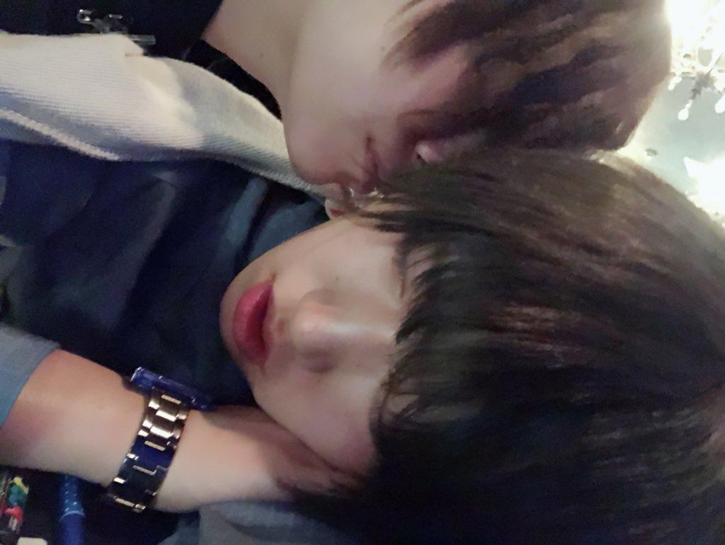 『デートの約束してたのにまだ寝てる~!いつも頑張ってるからもうちょっとだけ寝かせてあげよ☺️💗』の図  #男装 #男装喫茶 #SSキャスト