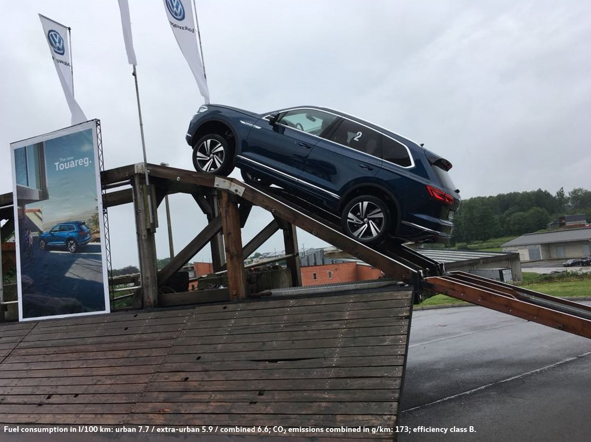 #TravelTuesday! Up and down with our new #VWTouareg at a training session for our #Belgian sales partners. 👍@vwbelgie #VW #SUV /JS https://t.co/JAS5tfAYQh