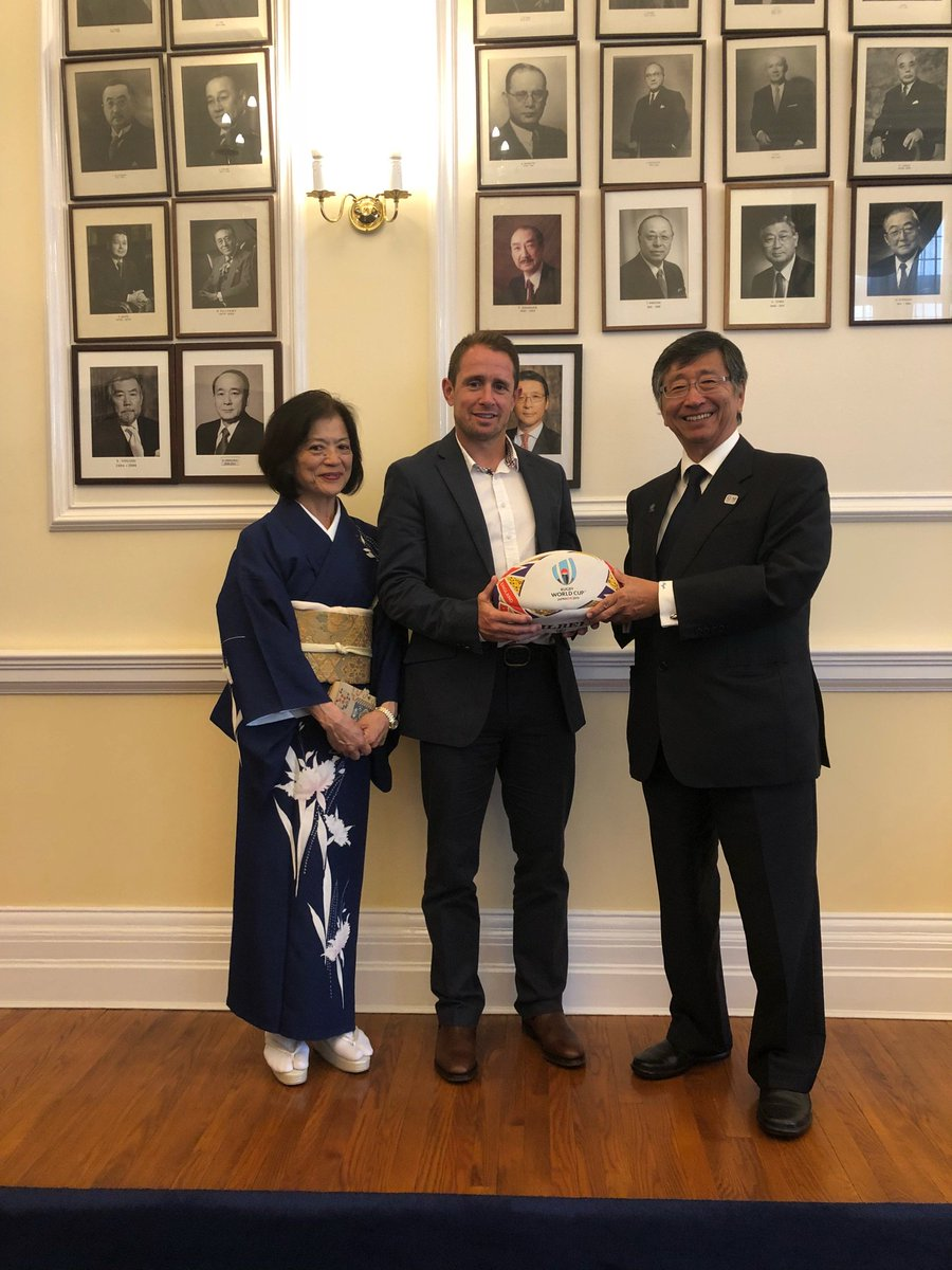 Great to catch up with @AmbKoji again at the Japan Embassy to promote Rugby World Cup 2019! #RugbyWorldCup #RWC19 #Japan2019  So glad everyone enjoyed our #biginjapan video<br>http://pic.twitter.com/ipGuDZLA9w
