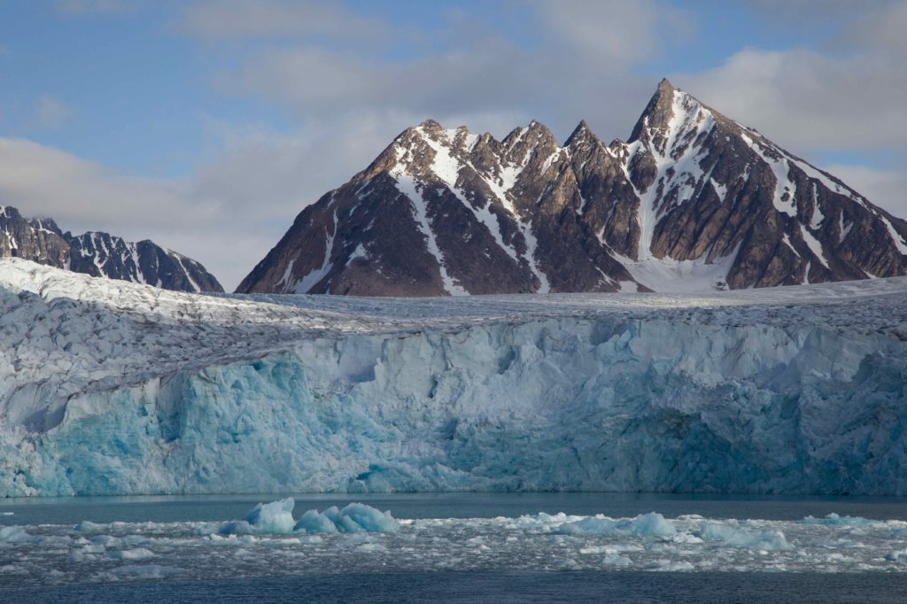 #GLORES Partner @MissionBlue launches first Arctic expedition to the Spitsbergen Island #HopeSpot  http:// ow.ly/YTbr30krMSl  &nbsp;  <br>http://pic.twitter.com/ubBbvUcBgW