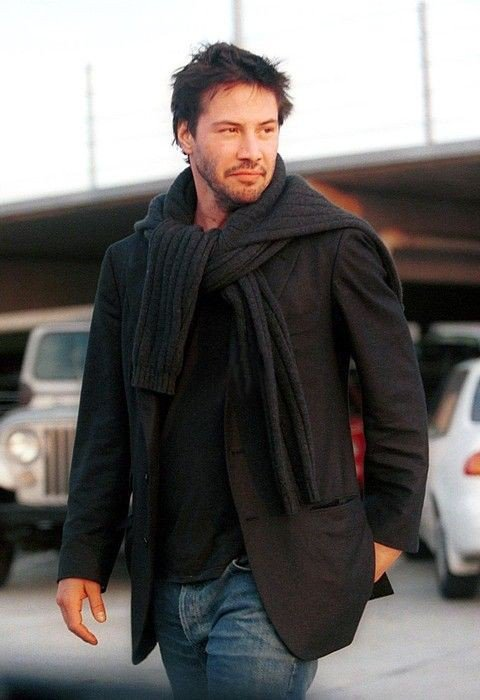 Keanu Reeves sweater