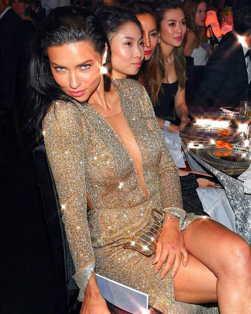 37 years ago on this day god blessed us with this WOMAN. happy birthday to my fav queen, miss adriana lima