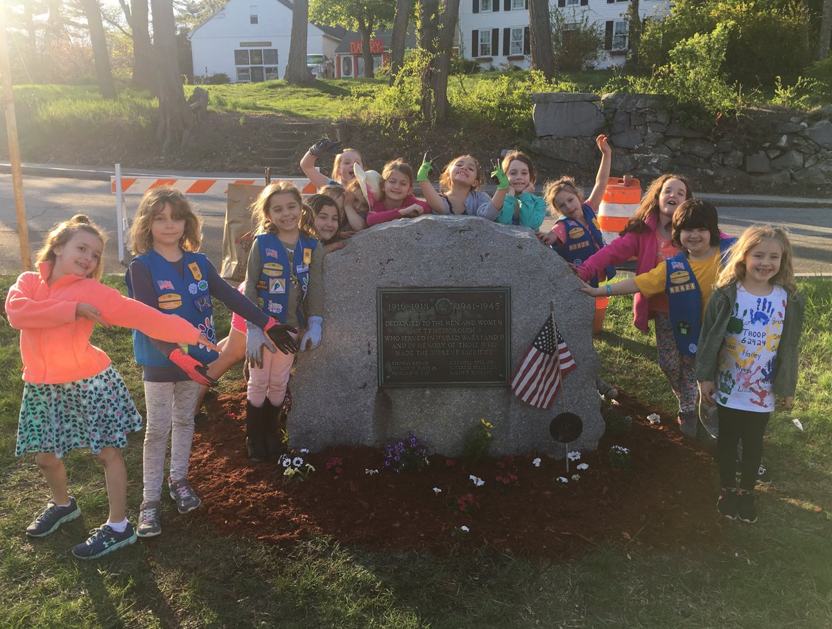 Girl scouts e mass on twitter trooptuesday for their welcome to garden journey daisy girlscouts troop 62424 planted flowers and did some clean up in the town center of tyngsboroughma izmirmasajfo