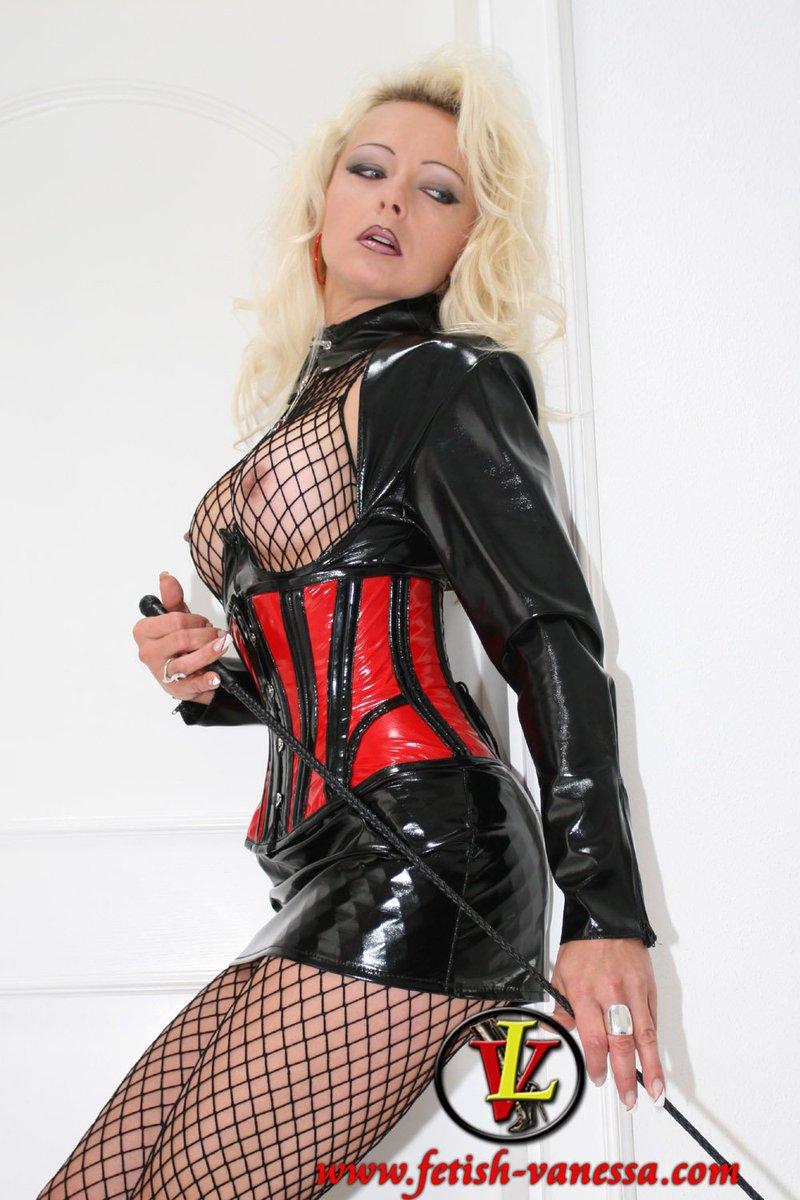 chanel-fetish-model-vanessa-g-women-nude-pics