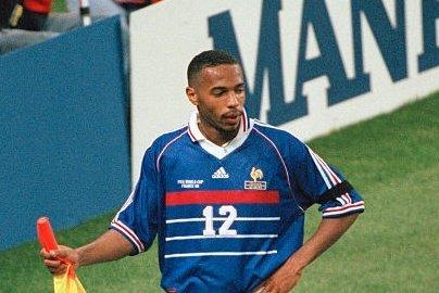 #SONDAGE  #RT Thierry Henry 98's  #FAV Kylian Mbappe 2018's   #WorldCup #France98VSFifa98 #France98 #FRA<br>http://pic.twitter.com/JdJuhNbDNE