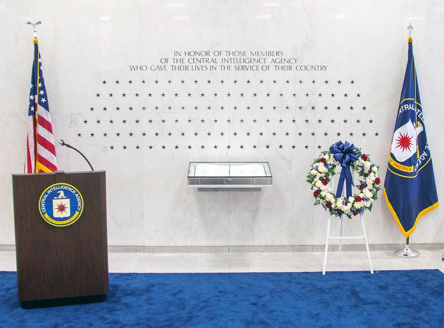 Today, we held our annual Memorial Ceremony to remember, honor, & celebrate the courageous CIA officers who died in the line of duty for their country. #InMemoriam bit.ly/2MjGI62