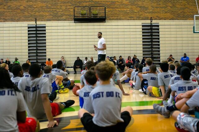 Had a great time with the kids in Chicago last weekend. Can't wait to do it again at camp this weekend in Lexington! Have you signed up? anthonydaviscamps.com